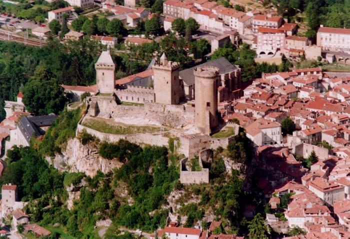 Foix chteau des comtes de foix trs impliqus dans le for Piscine foix
